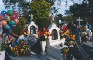 Dia de los Muertos, Alamo Cemetery